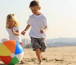 Bambini, no alle bibite zuccherate in spiaggia