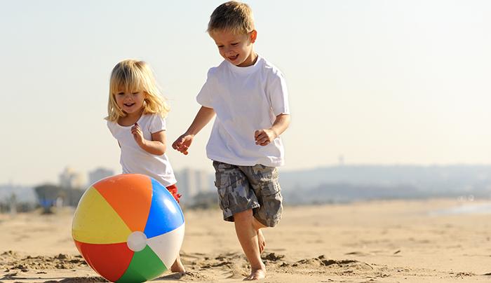 bambini-no-alle-bibite-zuccherate-in-spiaggia