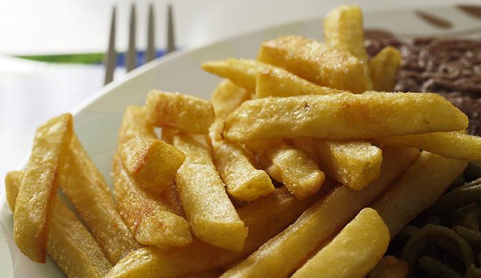cibi-fritti-e-sovrappeso-scoperto-perche-alcune-persone-ingrassano-piu-di-altre