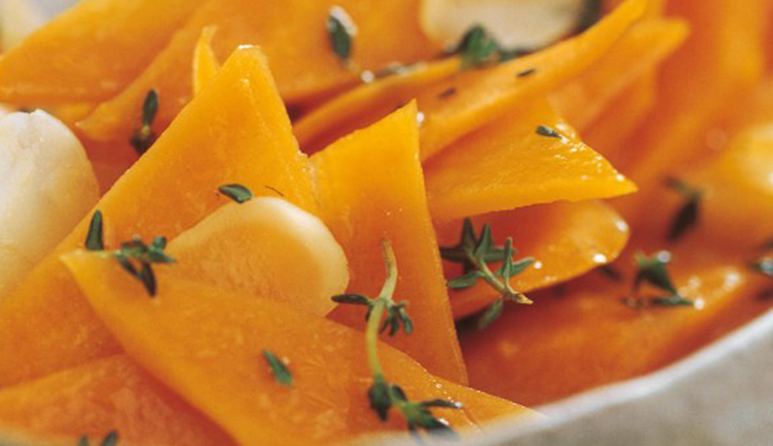 insalata-calda-di-carote-e-mandorle