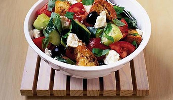 insalata-croccante-feta-e-pomodorini