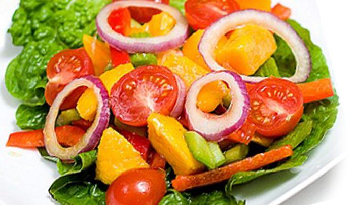 insalata-mango-pomodoro-e-avocado