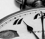 Tra Sabato 25 e Domenica 26 Ottobre torna l'ora solare, regalando un'ora di sonno in più per una notte, ma attenzione all'aumento di sbalzi d'umore. Con lo spostamento delle lancette un'ora indietro anche la depressione è in agguato, con aumento di insonnia e conseguenze negative sull'umore, spossatezza e difficoltà di concentrazione. Secondo gli esperti un'alterazione dei ritmi biologici aumenta i meccanismi che generano la sindrome depressiva. Chi tende a soffrirne, dovrebbe andare a letto più tardi nei giorni immediatamente prima del cambio dell'ora e alzarsi un po' dopo nello stesso weekend, allenandosi così gradualmente al cambiamento. Aiuta anche fare attività fisica per attenuare gli effetti ormonali di questi cambiamenti e consumare pasti leggeri per non cedere alla naturale propensione alle abbuffate, indotta da un meccanismo di compenso neurobiologico. Fonte: Ansa Salute