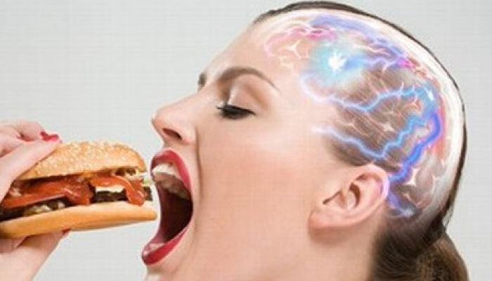 Quello che mangi potrebbe uccidere il tuo cervello